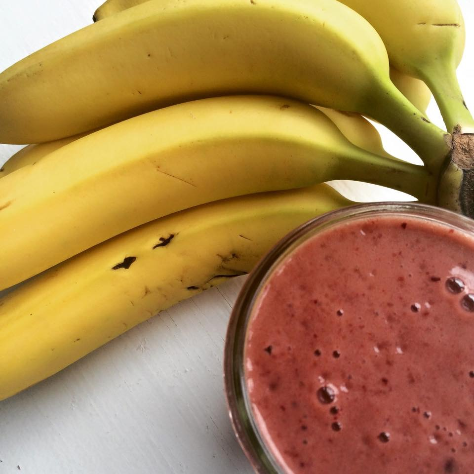 Receitas de smoothies de banana e morangos